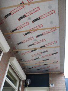 Koudebrug naar de etage wordt gestopt door deze isolatieplaten met Dubokeur.